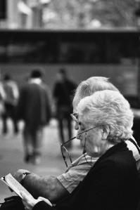 Couple on a bench - Barcelona